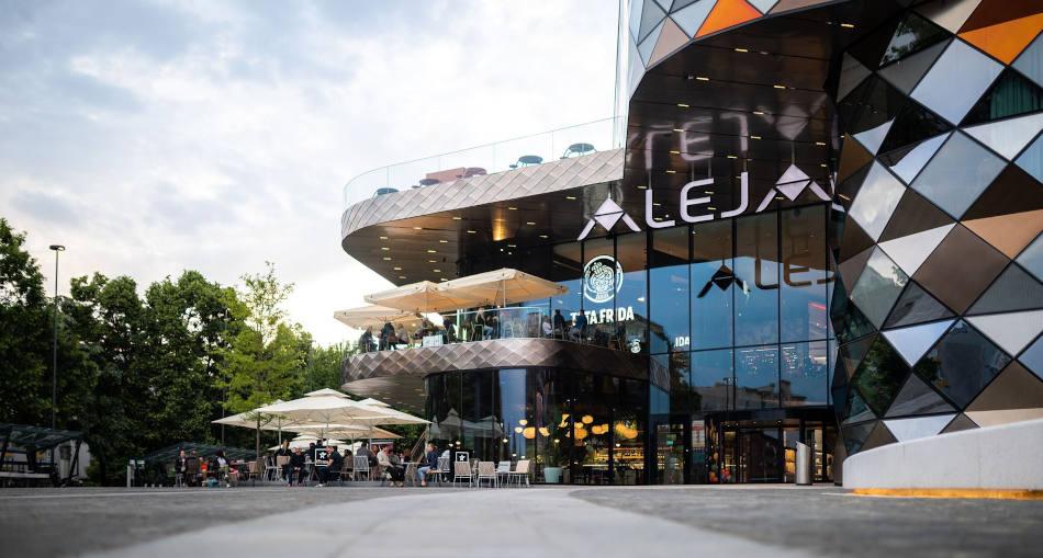 entro comercial Aleja, uno de los lugares más modernos de Liubliana.